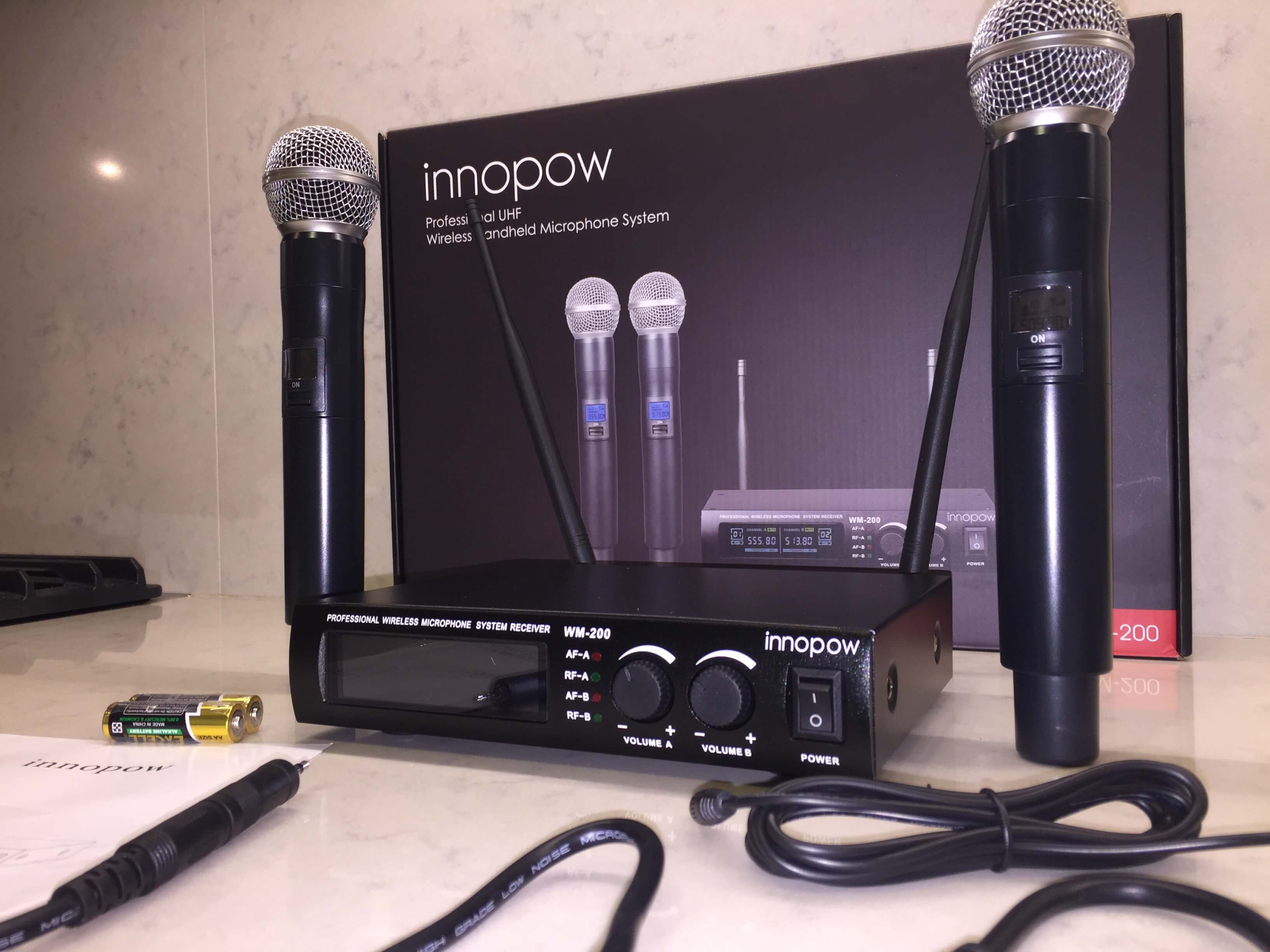innopow dual wireless microphone system review guitar pedals on the cheap. Black Bedroom Furniture Sets. Home Design Ideas